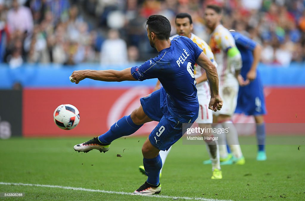 <a gi-track='captionPersonalityLinkClicked' href=/galleries/search?phrase=Graziano+Pelle&family=editorial&specificpeople=2333390 ng-click='$event.stopPropagation()'>Graziano Pelle</a> of Italy scores his team's second goal during the UEFA EURO 2016 round of 16 match between Italy and Spain at Stade de France on June 27, 2016 in Paris, France.