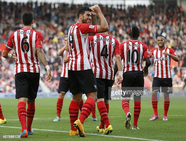 Graziano Pelle of Southampton celebrates after scoring their fifth goal during the Barclays Premier League match between Southampton and Sunderland...