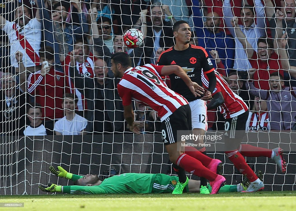 Graziano Pelle of Southampton scores their first goal during the Barclays Premier League match between Southampton and Manchester United on September 20, 2015 in Southampton, United Kingdom.