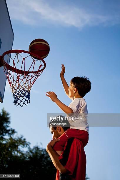 Grande de basquetebol