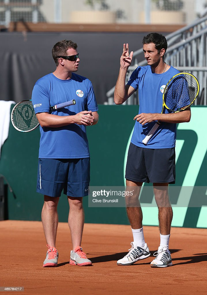 Great Britain captain <a gi-track='captionPersonalityLinkClicked' href=/galleries/search?phrase=Leon+Smith+-+Tennis+Coach&family=editorial&specificpeople=12698515 ng-click='$event.stopPropagation()'>Leon Smith</a> talks with James Ward during a practice session prior to the Davis Cup World Group first round between the U.S. and Great Britain at PETCO Park on January 29, 2014 in San Diego, California.