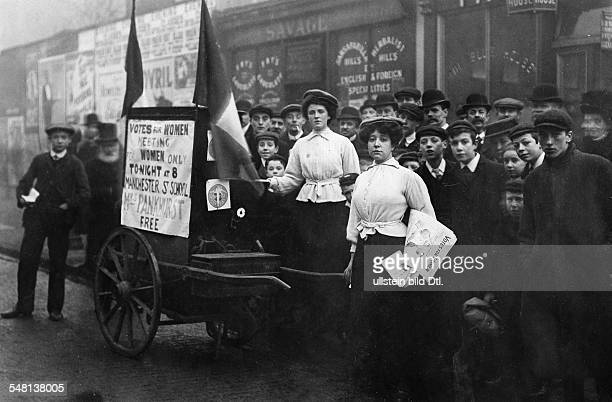 Great Britain England Manchester Women's rights activists Suffragetes demonstrating for women's suffrage 1910 Photographer Philipp Kester Vintage...