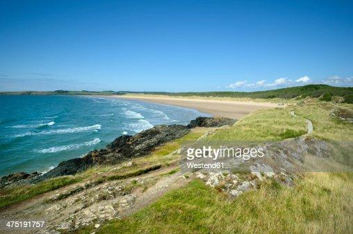 Great Britain, Wales, Ynys Llanddwyn, trail at coast