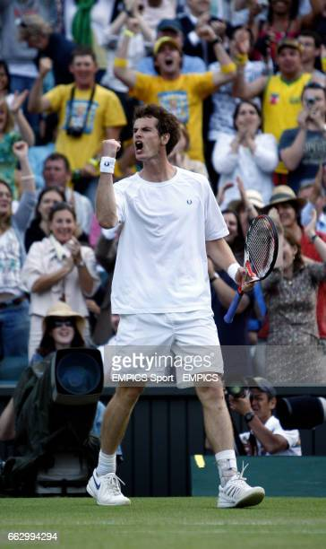 Great Britain's Andy Murray celebrates winning a set during his match against France's Richard Gasquet
