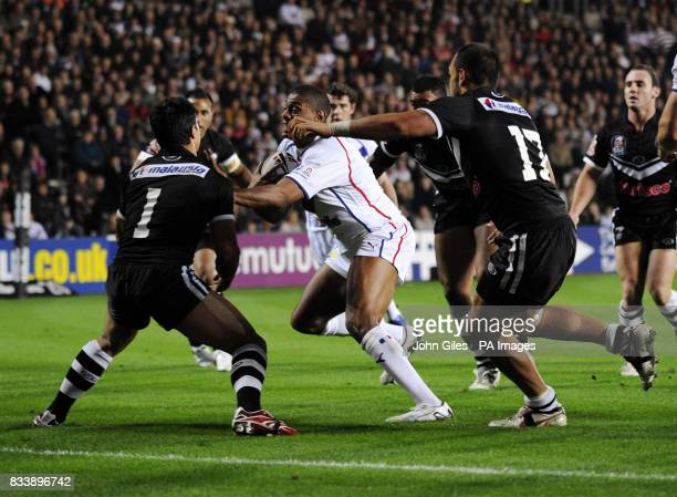 Great Britain's Leon Pryce runs through to score a try during the Second Gillette Fusion Test match at Kingston Communications Stadium Hull