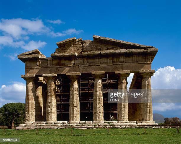 Greek art Magna Grecia Italy Paestum Temple of Neptune actually dedicated to the goddess Hera Built around 450460 BC Doric style