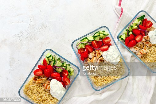 Greek chicken with tzatziki prepared and ready to eat in a take away  lunch boxes : Stock Photo
