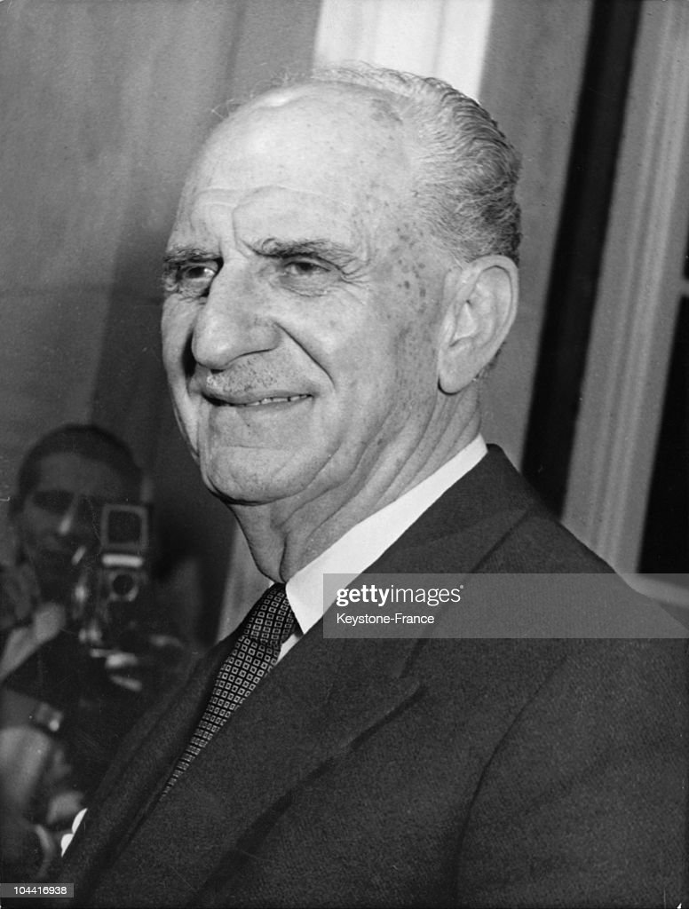 Greek statesman and Prime Minister many times over prior to 1939, Georgios PAPANDREOU, Council President since 1964, resigned on June 10, 1964, due to his disaccord with King CONSTANTIN over the replacement of the head of the army's general staff.