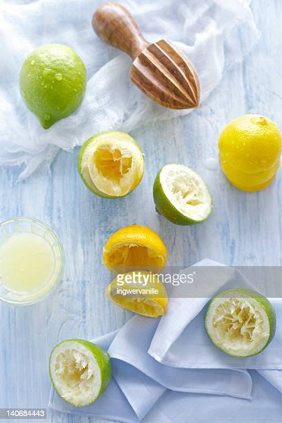 Green and yellow lemons