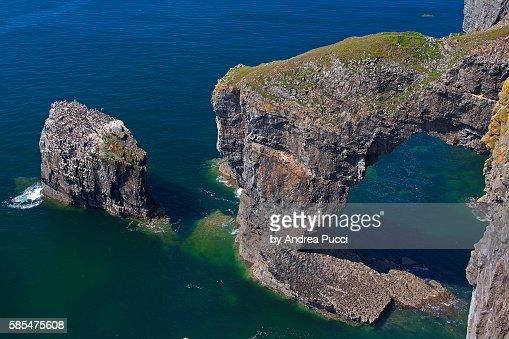 Green Bridge of Wales, Pembrokeshire Coast National Park, Pembrokeshire, Wales, United Kingdom