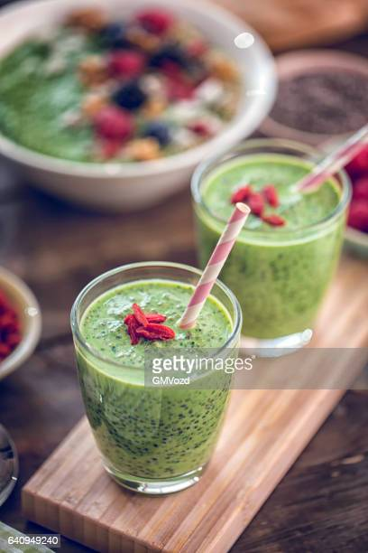 Green Chia Smoothie in Glsas