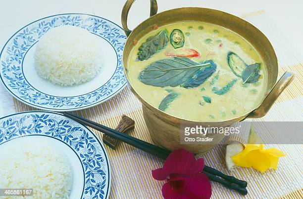 Green curry soup with shrimp and rice