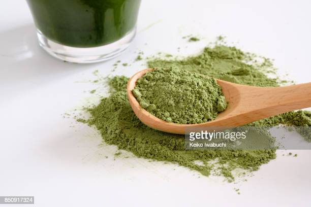 Green juice(aojiru in Japanese) and its powder