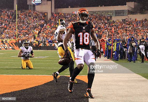 J Green of the Cincinnati Bengals scores a touchdown in the fourth quarter against the Pittsburgh Steelers during the AFC Wild Card Playoff game at...