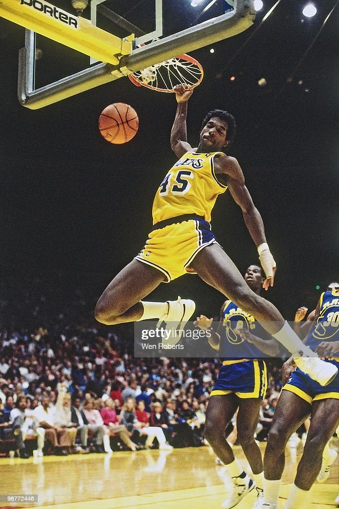 green-of-the-los-angeles-lakers-dunks-ag