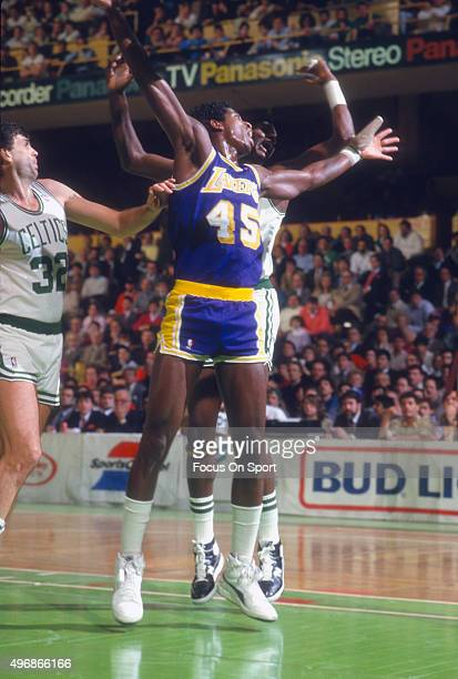 C Green of the Los Angeles Lakers in action against the Boston Celtics during an NBA basketball game circa 1986 at The Boston Garden in Boston...