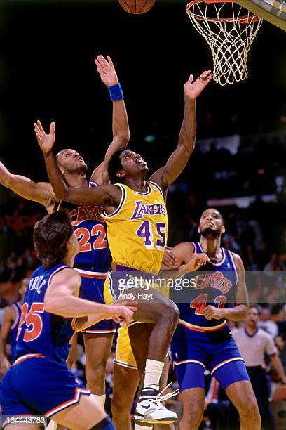 C Green of the Los Angeles Lakers rebounds against the Cleveland Cavaliers circa 1985 at the Great Western Forum in Inglewood California NOTE TO USER...