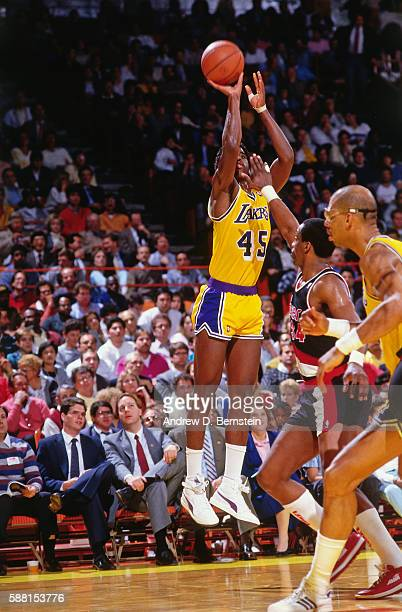 C Green of the Los Angeles Lakers shoots the ball against the Portland Trail Blazers during a game circa 1988 at The Forum in Los Angeles California...