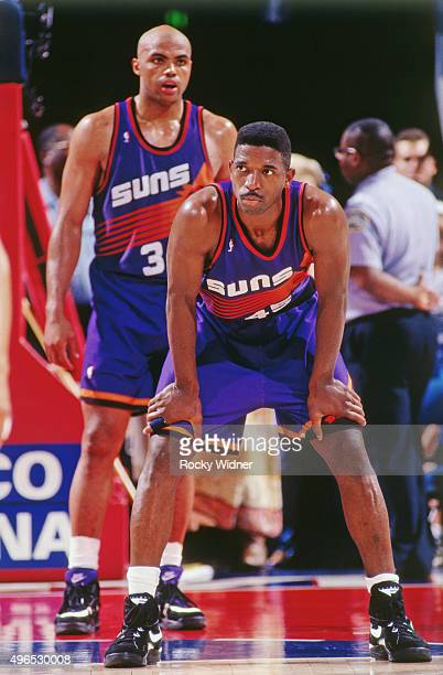 C Green of the Phoenix Suns rests against the Sacramento Kings circa 1993 at Arco Arena in Sacramento California NOTE TO USER User expressly...