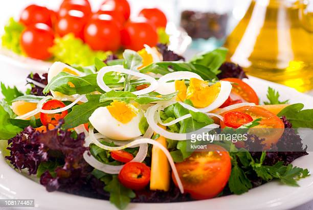 Green Salad with Egg and Tomatoes
