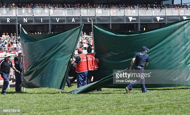 Green Screen is put up after Red Cadeaux is injured in race 7 the Emirates Melbourne Cup on Melbourne Cup Day at Flemington Racecourse on November 3...
