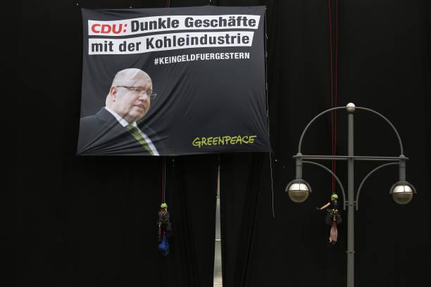 DEU: Activists Protest Pending Coal Legislation