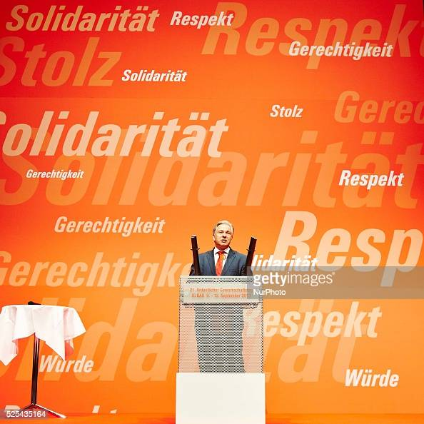Greetings from the Mayor of Berlin Klaus Wowereit at the 21st Annual Trade Union Congress of the IG BAU in Berlin From 9 to 12 September the Trade...