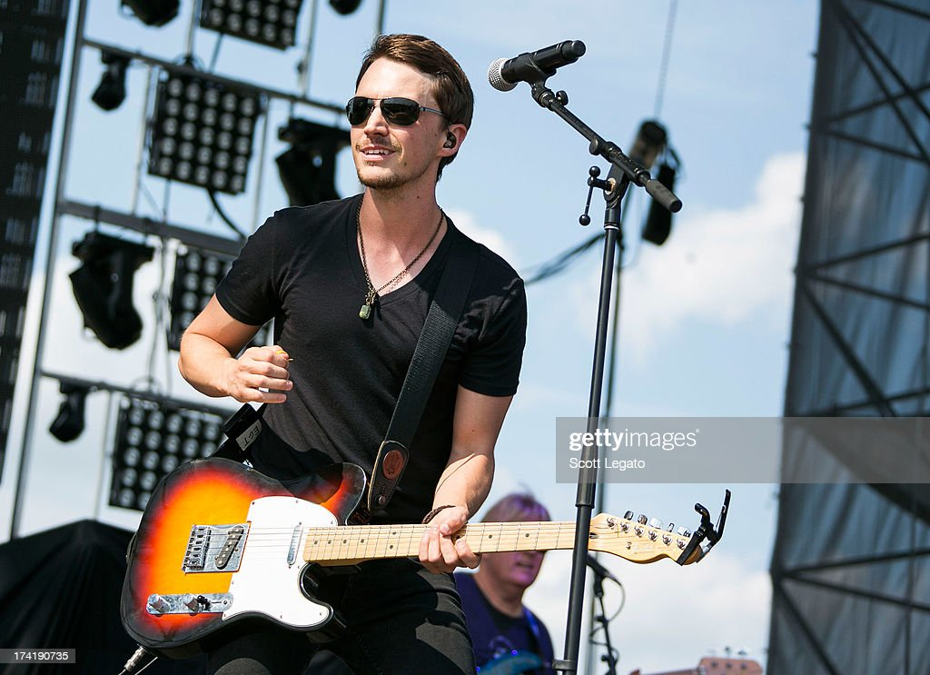 <a gi-track='captionPersonalityLinkClicked' href=/galleries/search?phrase=Greg+Bates&family=editorial&specificpeople=9092143 ng-click='$event.stopPropagation()'>Greg Bates</a> performs during the 2013 Faster Horses Festival on July 21, 2013 in Brooklyn, Michigan.