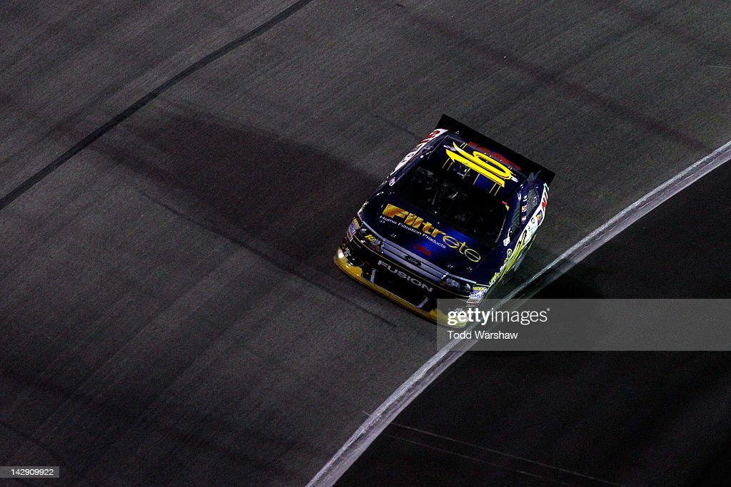 <a gi-track='captionPersonalityLinkClicked' href=/galleries/search?phrase=Greg+Biffle&family=editorial&specificpeople=209093 ng-click='$event.stopPropagation()'>Greg Biffle</a>, driver of the #16 Filtrete Ford, races during the NASCAR Sprint Cup Series Samsung Mobile 500 at Texas Motor Speedway on April 14, 2012 in Fort Worth, Texas.