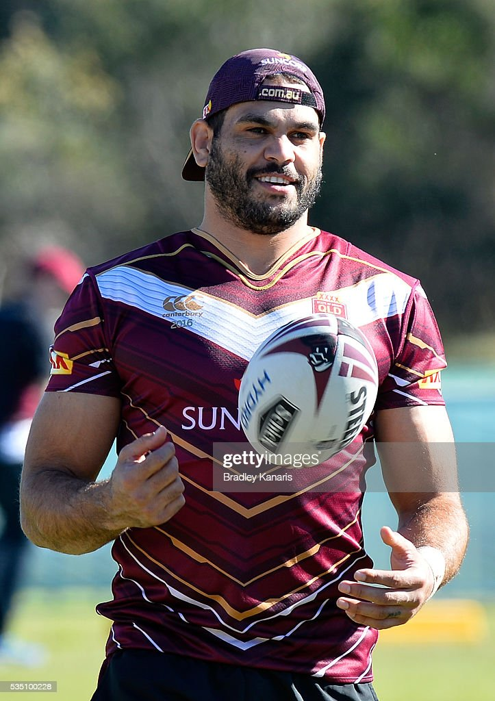 <a gi-track='captionPersonalityLinkClicked' href=/galleries/search?phrase=Greg+Inglis&family=editorial&specificpeople=597192 ng-click='$event.stopPropagation()'>Greg Inglis</a> gives a smile during a Queensland Maroons State of Origin training session on May 29, 2016 in Gold Coast, Australia.