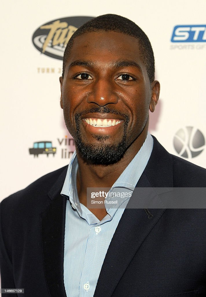 <a gi-track='captionPersonalityLinkClicked' href=/galleries/search?phrase=Greg+Jennings+-+American+Football+Player&family=editorial&specificpeople=2117148 ng-click='$event.stopPropagation()'>Greg Jennings</a>, a wide receiver for the Green Bay Packers attends the 16th Annual Turn 2 Foundation Dinner Hosted By Derek Jeter at New York Sheraton Hotel & Tower on June 21, 2012 in New York City.