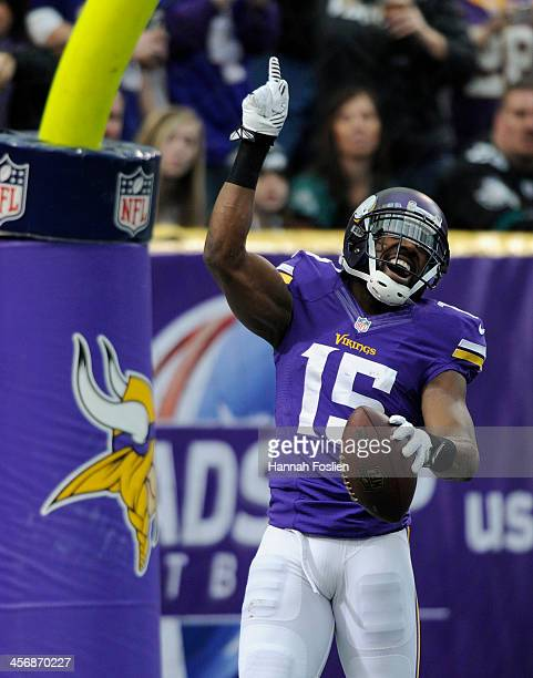 Greg Jennings of the Minnesota Vikings celebrates a touchdown during the first quarter of the game against the Philadelphia Eagles on December 15...