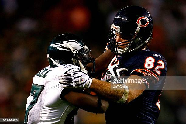 Greg Olsen of the Chicago Bears blocks Quintin Mikell of the Philadelphia Eagles at Soldier Field on September 28 2008 in Chicago Illinois The Bears...