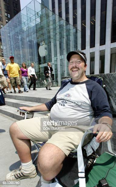 Greg Packer of Huntington New York sits at the front of the line as he waits for the release of the iPhone at the Apple Store 26 June 2007 in New...