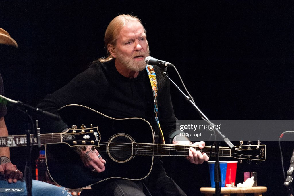 <a gi-track='captionPersonalityLinkClicked' href=/galleries/search?phrase=Gregg+Allman&family=editorial&specificpeople=741073 ng-click='$event.stopPropagation()'>Gregg Allman</a> performs on stage during the All For The Hall New York concert benefiting the Country Music Hall Of Fame at Best Buy Theater on February 26, 2013 in New York City.