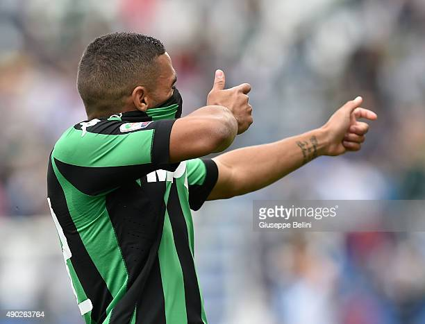 Gregoire Defrel of Sassuolo celebrates after scoring the opening goal during the Serie A match between US Sassuolo Calcio and AC Chievo Verona at...