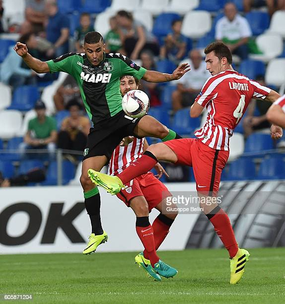 Gregoire Defrel of US Sassuolo Calcio and Aymeric Laporte of Athletic Club in action during the UEFA Europa League match between US Sassuolo Calcio...