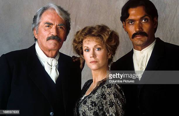 Gregory Peck Jane Fonda and Jimmy Smits in publicity portrait for the film 'Old Gringo' 1989