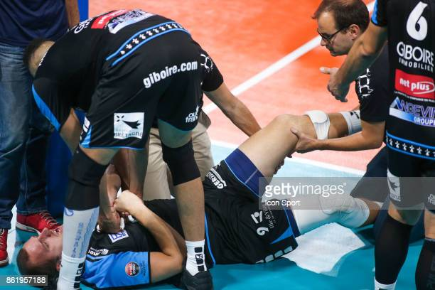 Gregory Petty of Rennes got injured during the volleyball Ligue A match between Paris and Rennes on October 15 2017 at Charlety in Paris France