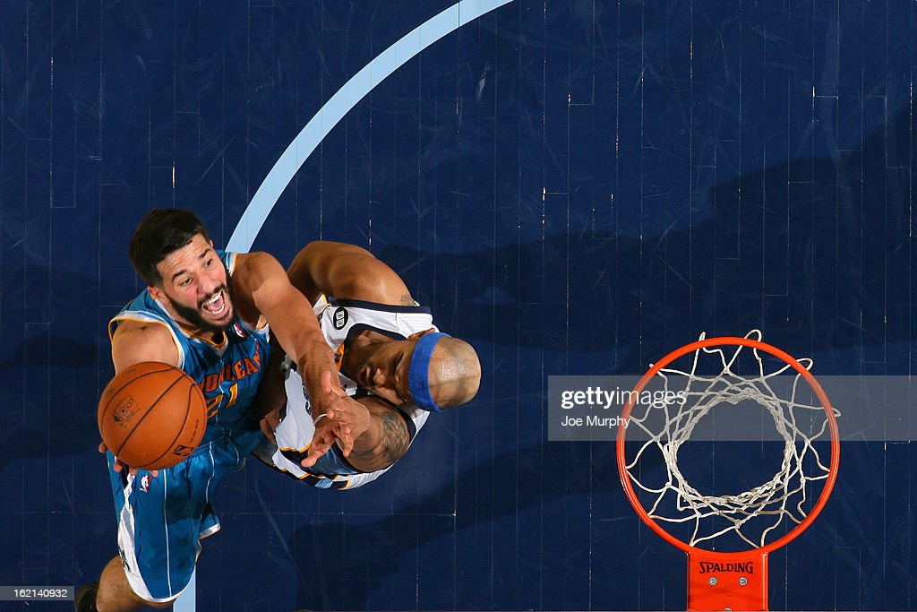 <a gi-track='captionPersonalityLinkClicked' href=/galleries/search?phrase=Greivis+Vasquez&family=editorial&specificpeople=4066977 ng-click='$event.stopPropagation()'>Greivis Vasquez</a> #21 of the New Orleans Hornets drives to the basket against <a gi-track='captionPersonalityLinkClicked' href=/galleries/search?phrase=Jerryd+Bayless&family=editorial&specificpeople=4216027 ng-click='$event.stopPropagation()'>Jerryd Bayless</a> #7 of the Memphis Grizzlies on January 27, 2013 at FedExForum in Memphis, Tennessee.