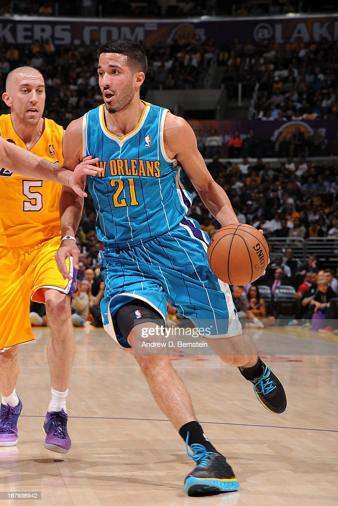 Greivis Vasquez #21 of the New Orleans Hornets drives to the basket against the Los Angeles Lakers at Staples Center on April 9, 2013 in Los Angeles, California.