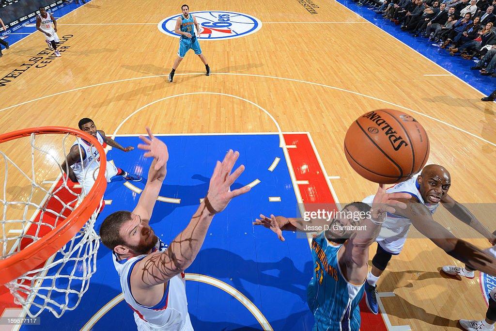 Greivis Vasquez #21 of the New Orleans Hornets grabs a rebound against the Philadelphia 76ers at the Wells Fargo Center on January 15, 2013 in Philadelphia, Pennsylvania.