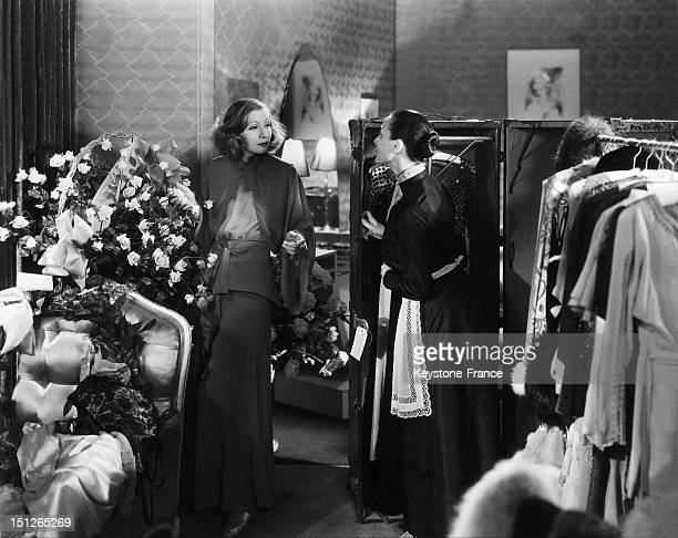 Greta Garbo with her chambermaid in a scene of the film 'Grand Hotel' by Edmund Goulding in Hollywood in 1932