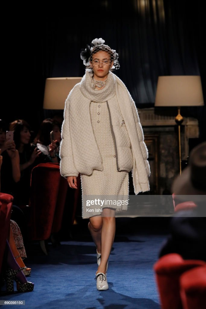 Greta Varlese showcases designs by CHANEL on the runway during the CHANEL Metiers D'art Collection Paris Cosmopolite show at the Tsunamachi Mitsui Club on May 31, 2017 in Tokyo, Japan.