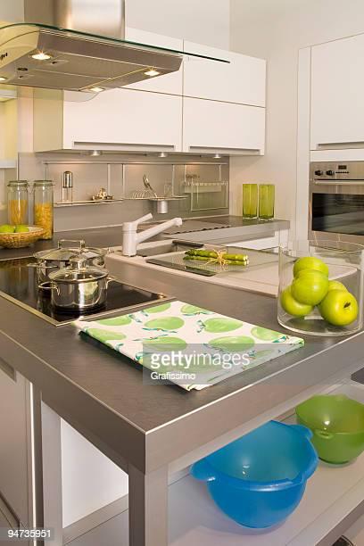 Grau und Weiß Küche