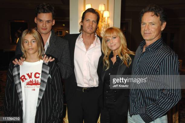 Greyson Fletcher Austin Nichols Brian Van Holt Rebecca De Mornay and Bruce Greenwood of John From Cincinnati