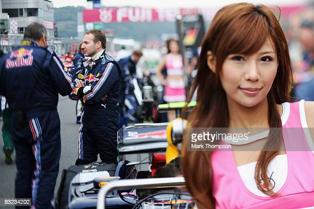 Grid girl is seen before the Japanese Formula One Grand Prix at the Fuji Speedway on October 12 2008 in Shizuoka Japan