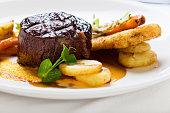 Griddled fillet steak with glazed vegetables