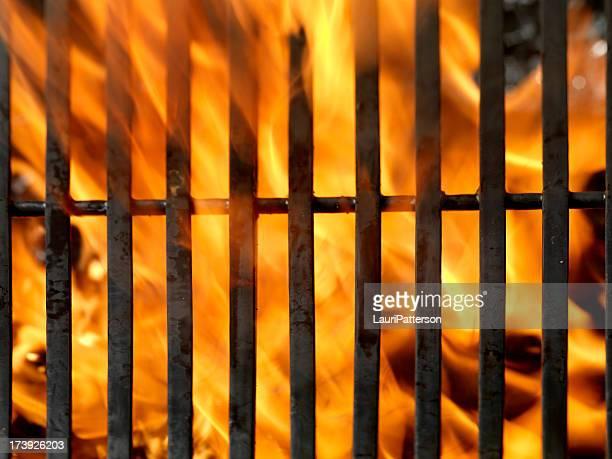 Barbecue-Grill mit Flammen