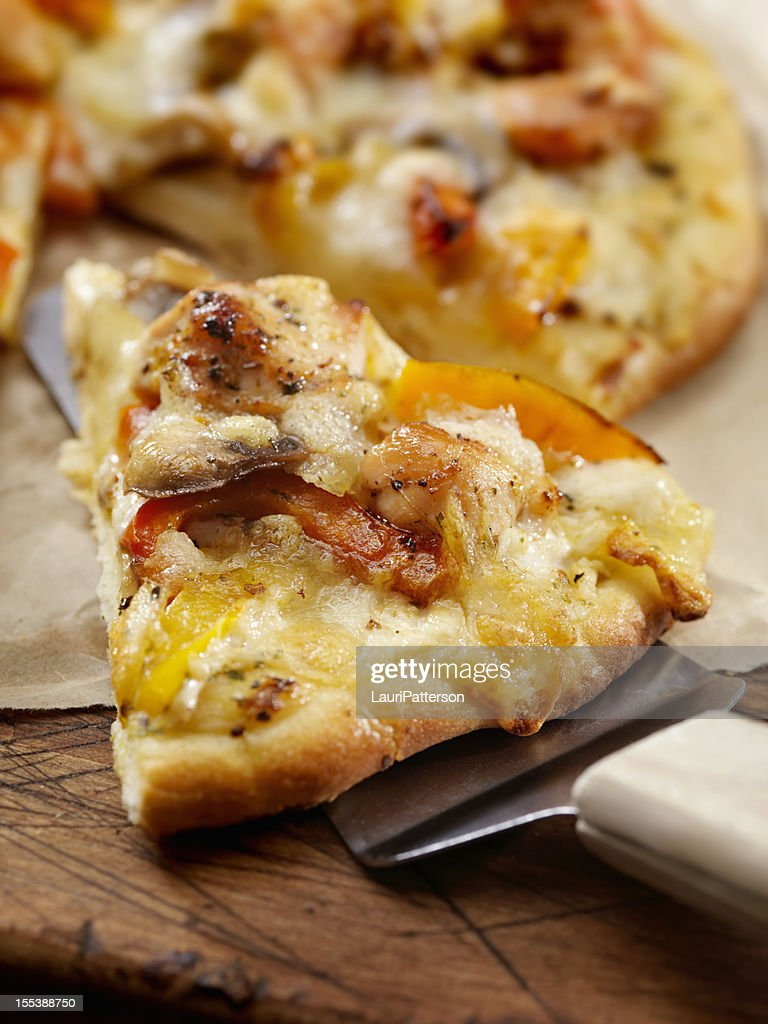 Grilled Chicken and Roasted Pepper Pizza : Stock Photo